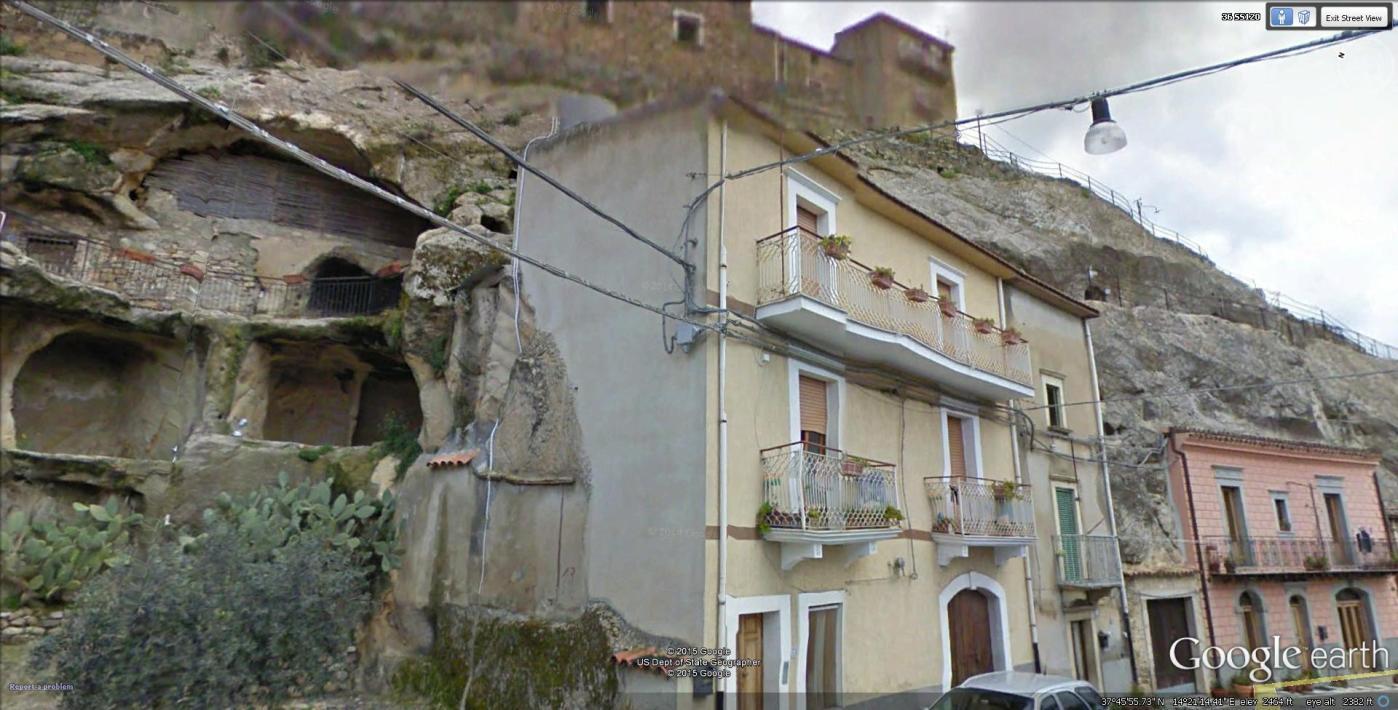sperlinga, castello nella roccia